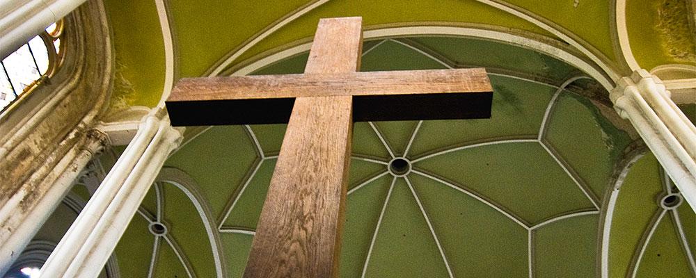 Kreuz in der Zionskirche (Foto: Sylvia Landeck)