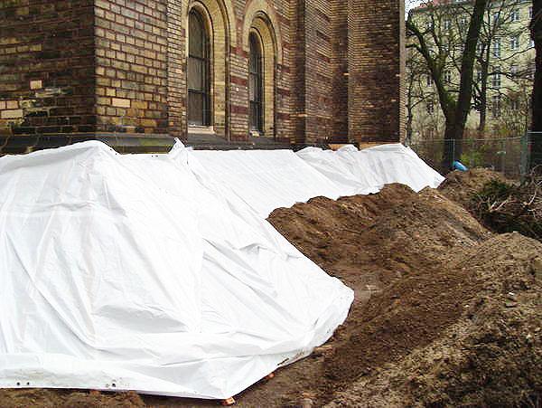 Trockenlegung der Zionskirche im Außenbereich