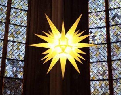 Zion-Stern am Altar