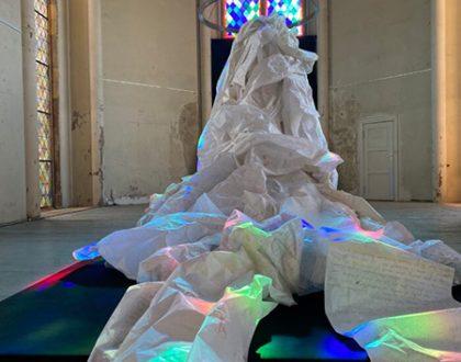 """Ausstellung: """"962 Meter – Eine Textskulptur"""" Ulrike Damm 3.10.-4.11.2021"""